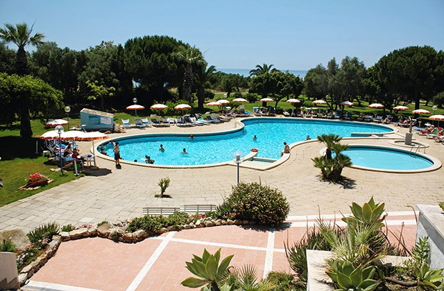 S jours sicile club alicudi 5 marmara voyages rive gauche for Club piscine rive sud