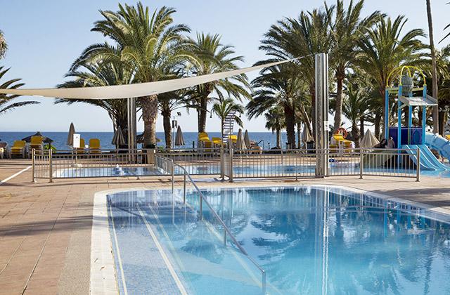 S jours grande canarie family life orquidea 4 notre bon for Cash piscine 8 mai