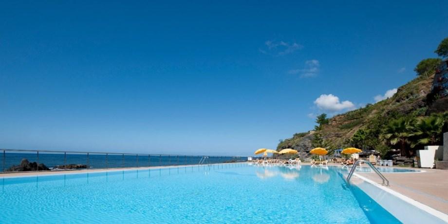 Dernière Minute -200 €/pers Vols Inclus ! Madère Hôtel Orca Praia 3*